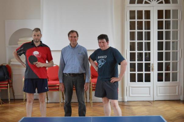 Eric Moulinet a remercié nos deux pongistes pour leur exhibition.